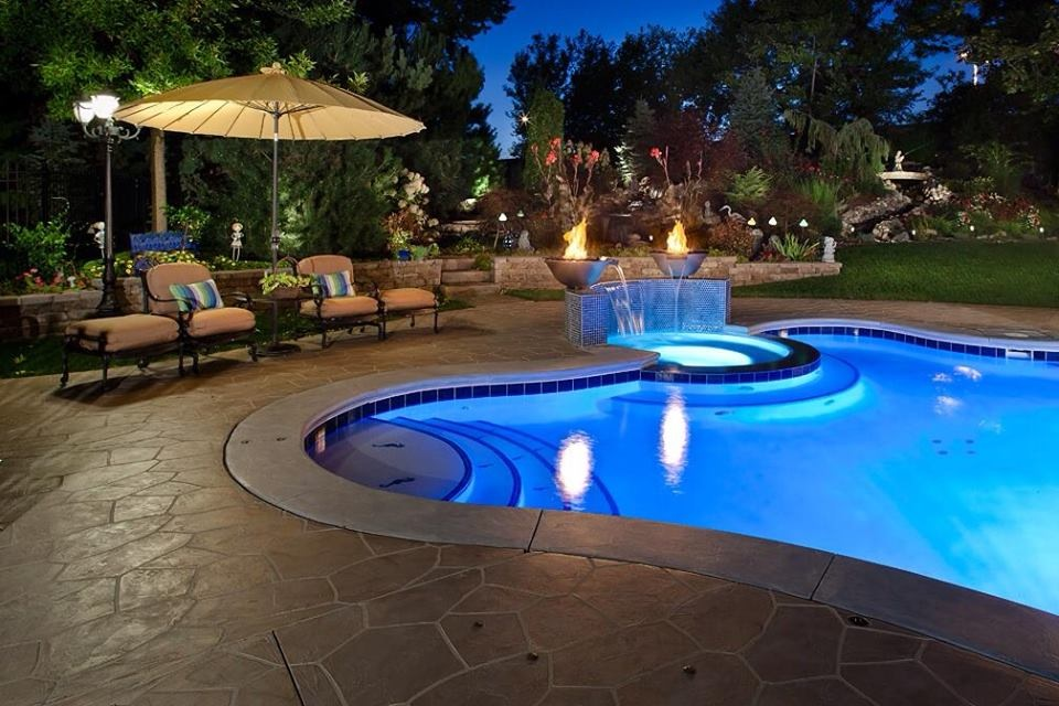 Give Your Annapolis Backyard A New Look With Pool Deck