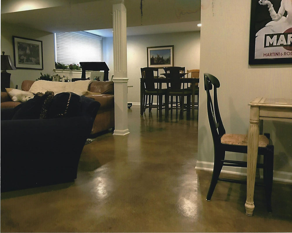 Concrete floors with microtopping